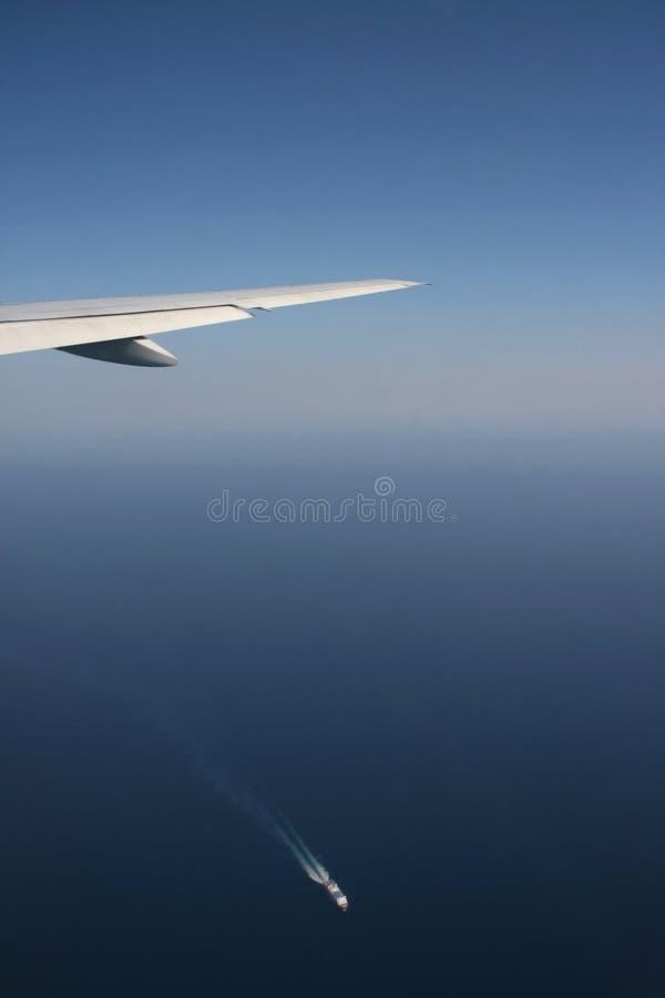 Flugzeug und Lieferung lizenzfreies stockfoto