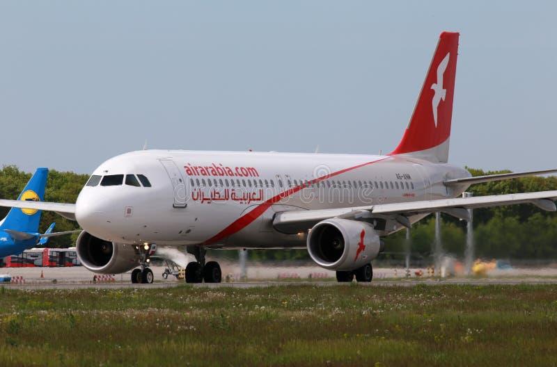 Flugzeuge Air Arabias Airbus A320-214 stockfoto