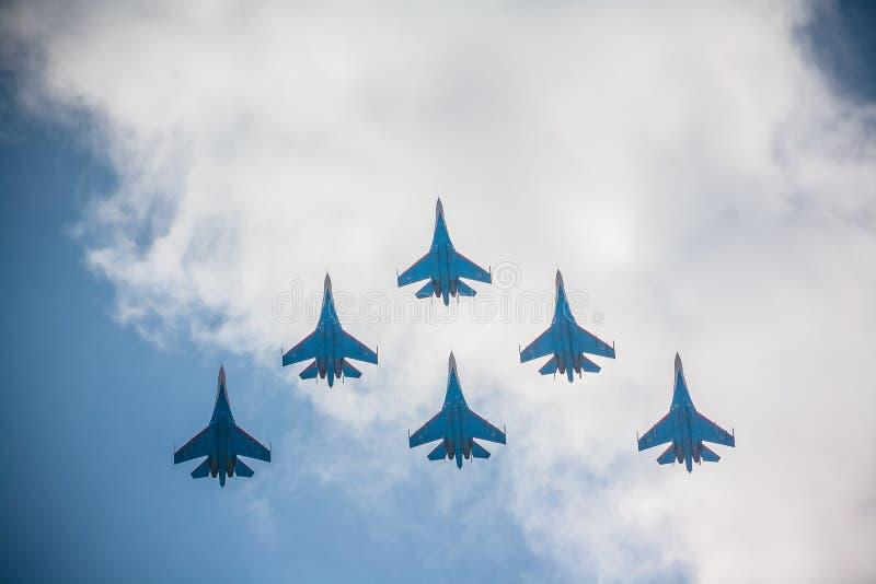 Flugzeuge auf Flugschau stockfotos