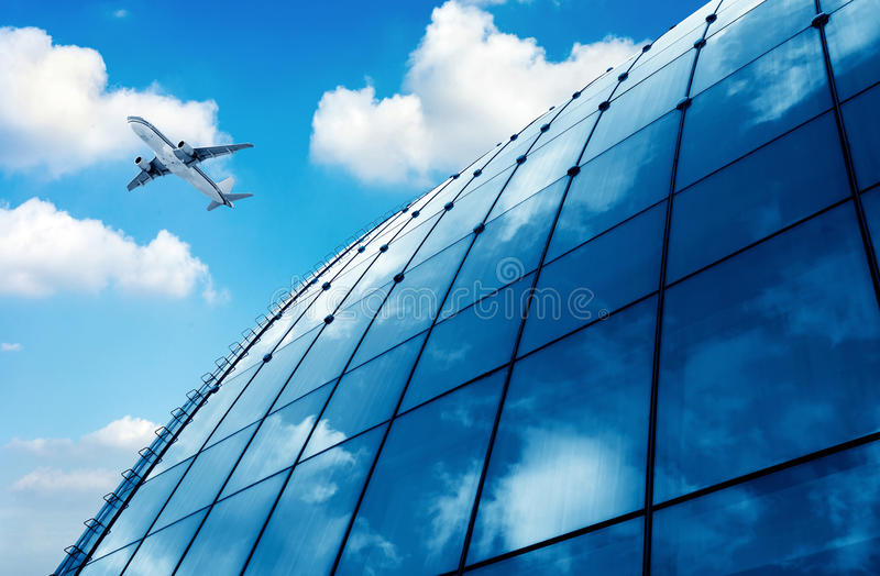 Flugzeuge Flughafens des Shanghai-Pudong stockfotos