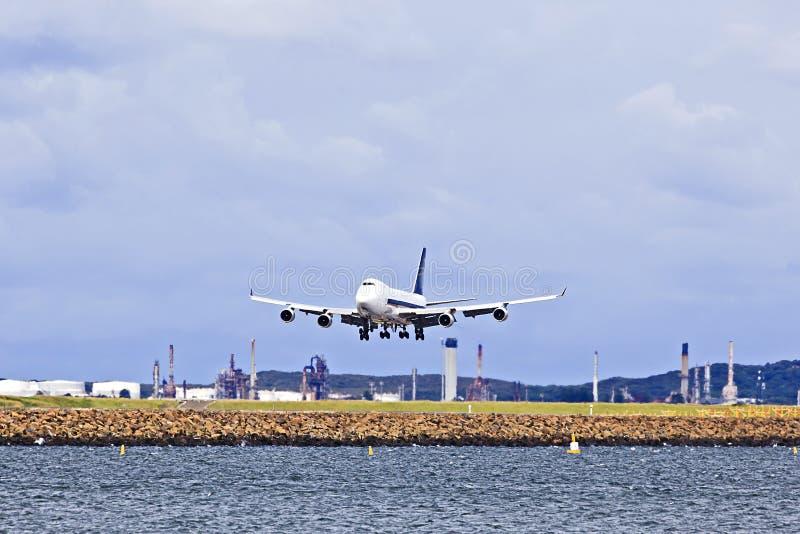 Flugzeugfracht-Landungstag stockbild