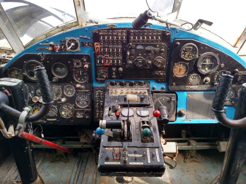 Flugzeugkontrollen lizenzfreie stockfotografie