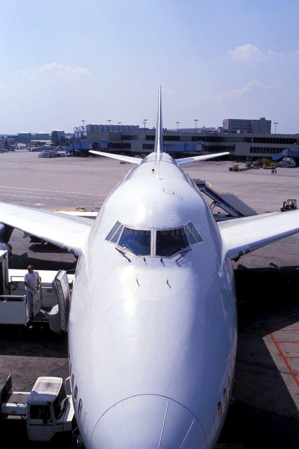 Flugzeugladen stockfotos