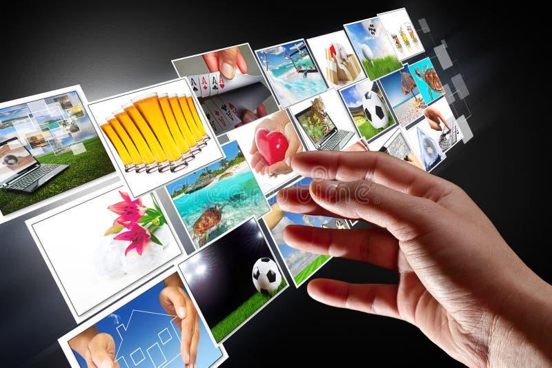 Fluir multimedia del Internet fotos de archivo libres de regalías