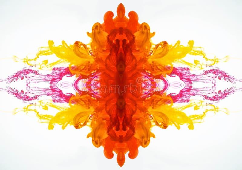Flujo abstracto del modelo de la tinta Pintura de mezcla debajo del agua El líquido coloreó humo curvado fotografiado en el movim foto de archivo libre de regalías