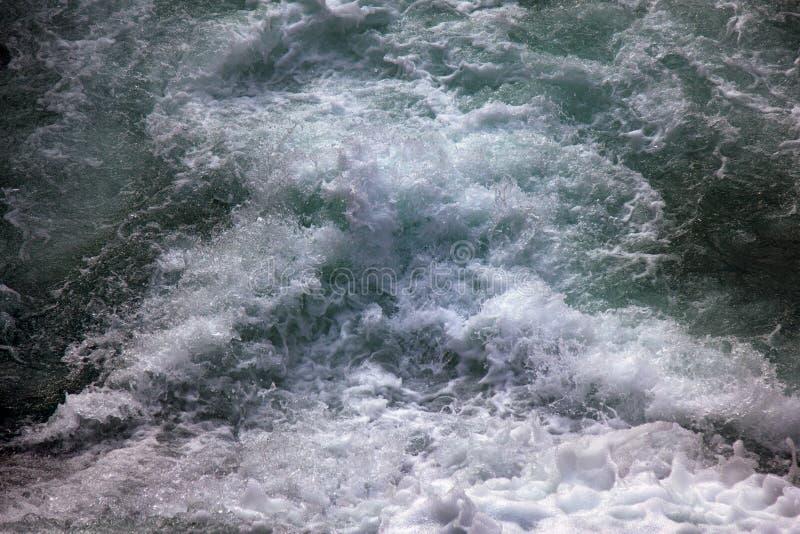 flujo de agua de la espuma fotografía de archivo