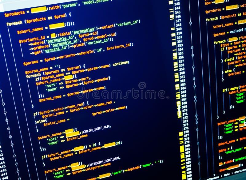 Flujo de trabajo final de la codificación de convertirse del web Código colorido en fondo azul marino foto de archivo libre de regalías