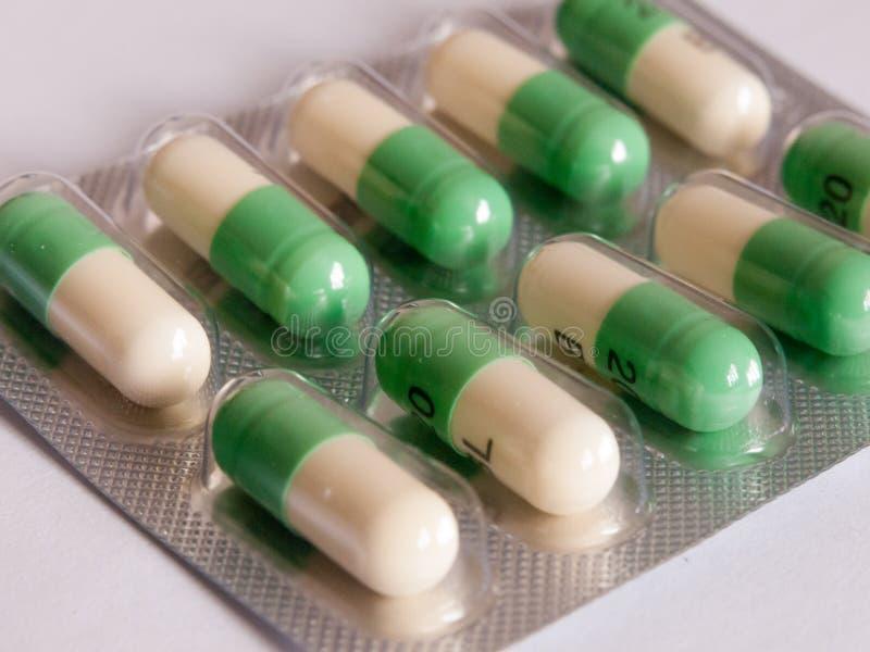 Fluoxetin, Prozacpillen in einem Paket umgedreht stockfotografie