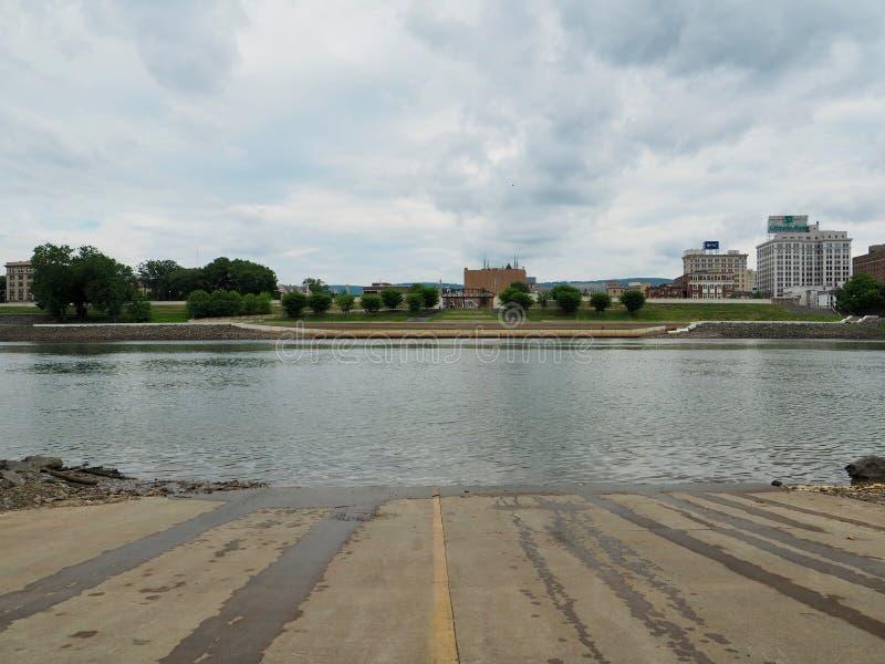 Fluss allgemein auf dem Susquehanna herüber von der Boots-Produkteinführung lizenzfreie stockfotos
