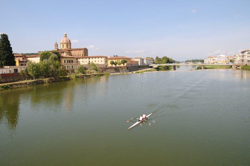 Fluss Arno in Florenz lizenzfreie stockbilder
