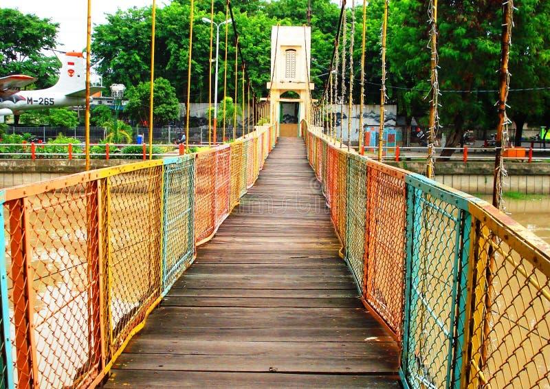Fluss-Brücke lizenzfreie stockbilder