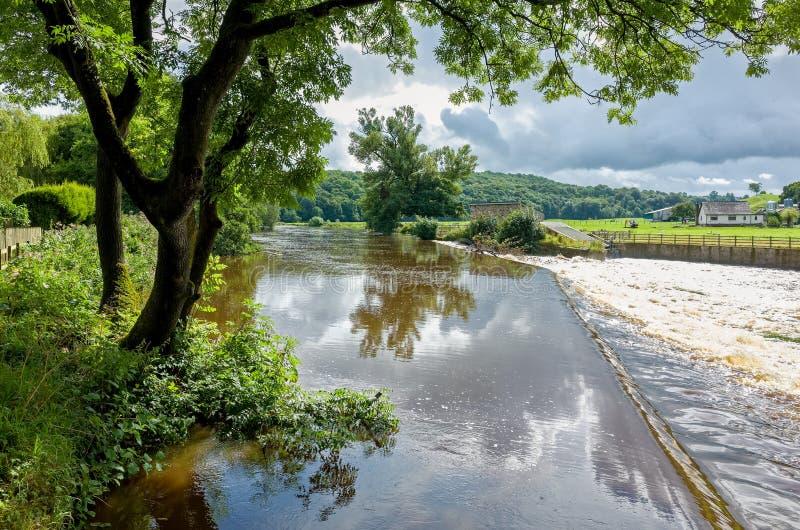 Fluss Calder in Lancashire, England lizenzfreies stockbild