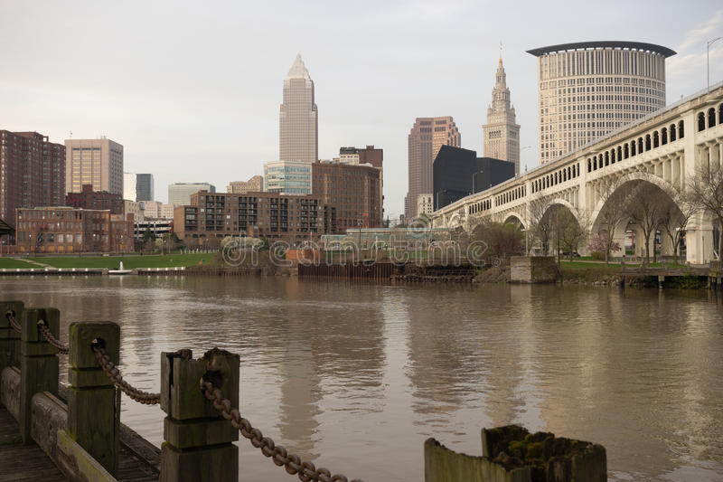 Fluss Cleveland Ohio Downtown City Skylines Cuyahoga lizenzfreie stockbilder