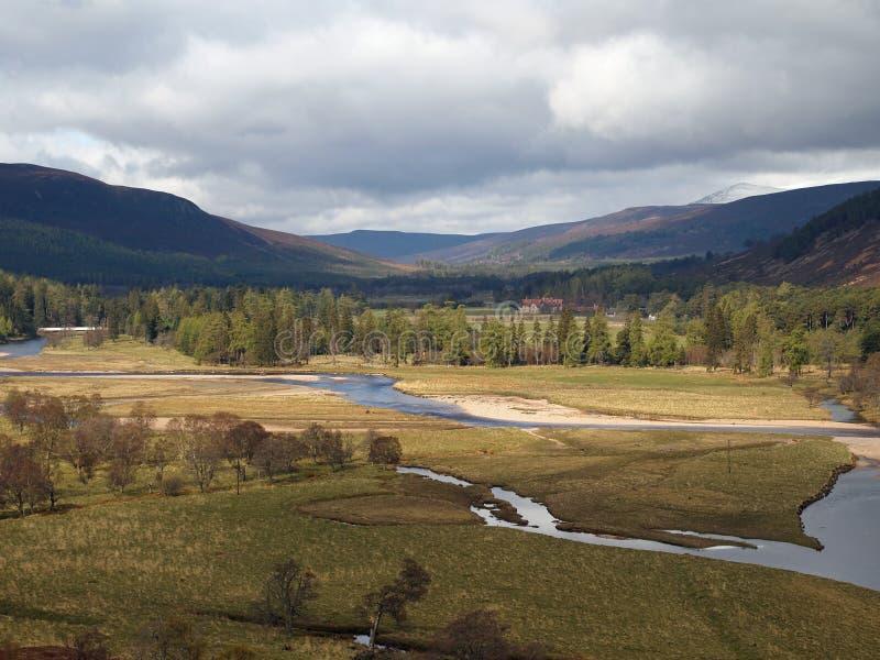 Fluss Dee Bereich, westlich von Braemar, Schottland. lizenzfreie stockfotografie