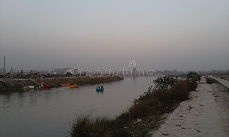 Fluss fließt tierdless lizenzfreie stockbilder
