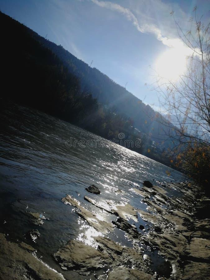 Fluss-Gasthaus lizenzfreies stockfoto