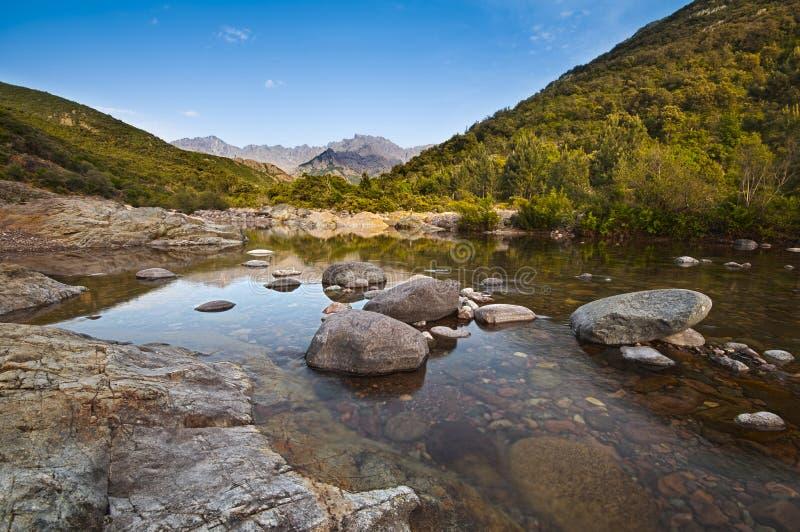 Fluss in Korsika lizenzfreie stockfotografie