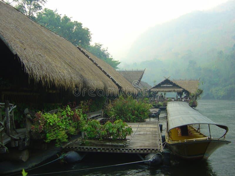Fluss Kwai im frühen Morgen lizenzfreie stockbilder