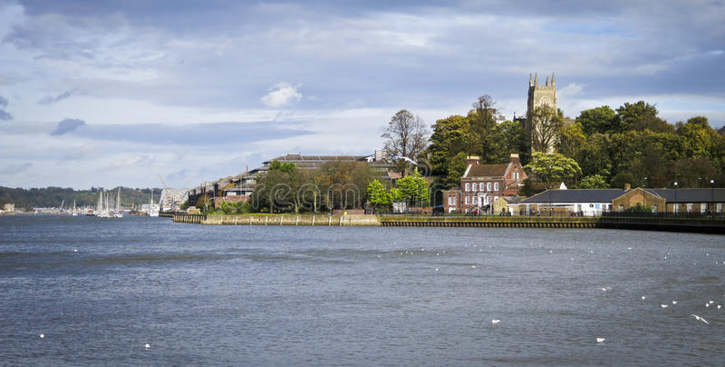 Fluss Medway bei Chatham lizenzfreie stockfotos