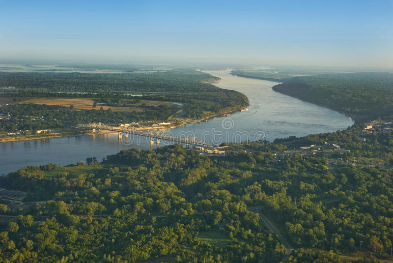 Fluss Mississipi-Antenne lizenzfreies stockfoto