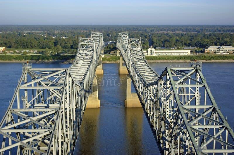 Fluss Mississipi-Brücke lizenzfreies stockfoto