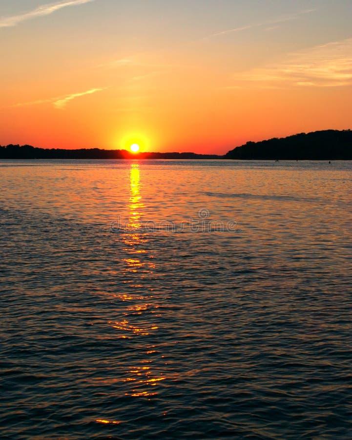 Fluss Mississipi-Sonnenuntergang stockbilder
