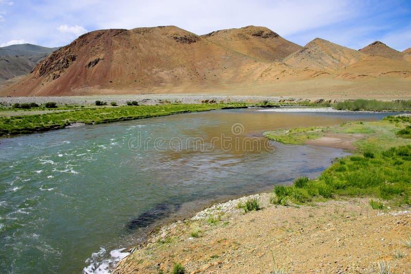 Fluss in Mongolei stockfotografie