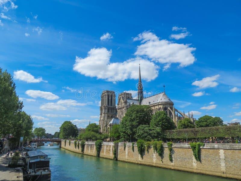 Fluss Notre Dame Cathedral Paris France Seine lizenzfreie stockfotografie