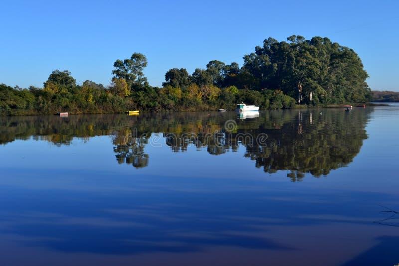 Fluss Sankt LucÃa, Uruguay lizenzfreie stockfotografie