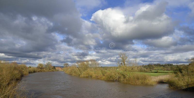 Fluss Severn an der Hagedorn-Brücke lizenzfreie stockfotos