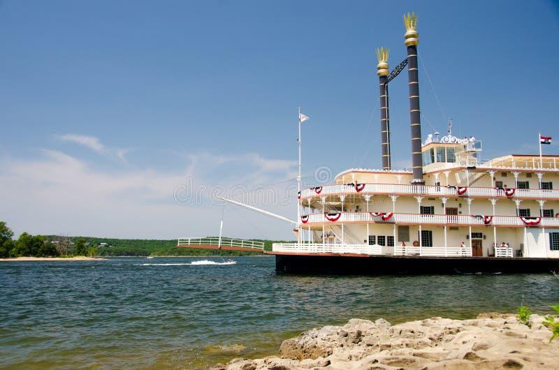 Fluss Showboat in Branson stockfotos