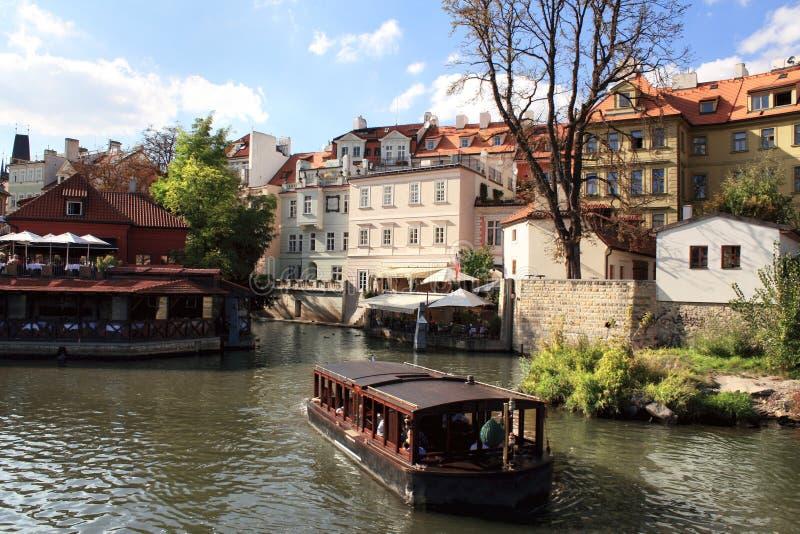 Fluss Vltava in Prag stockbilder