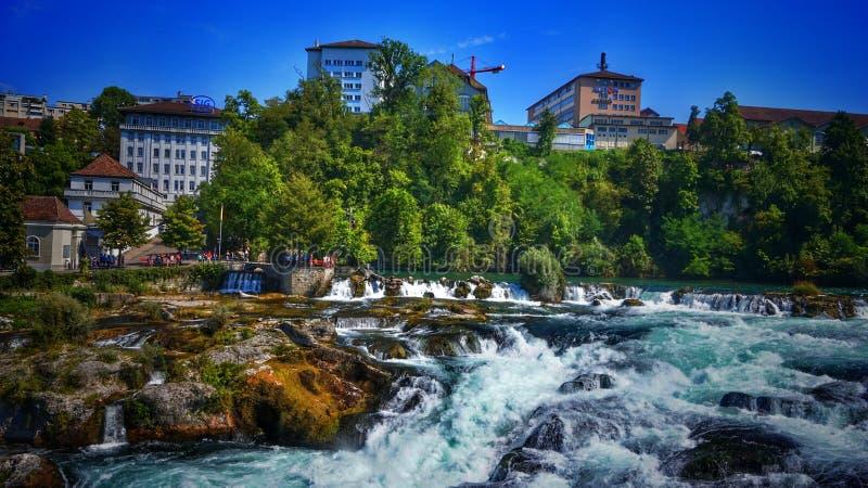 Fluss von Rissen lizenzfreies stockfoto