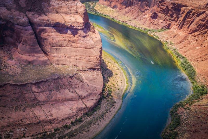 Flussbett von Colorado und von Grand Canyon Staat Arizona-Anziehungskräfte, Vereinigte Staaten stockfotos