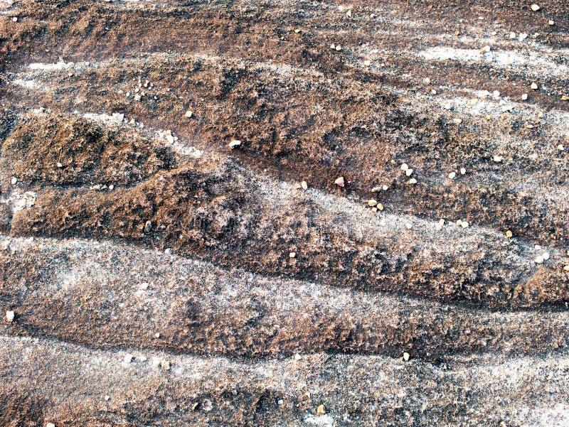 Flusso continuo della pista della pietra alla scogliera immagini stock