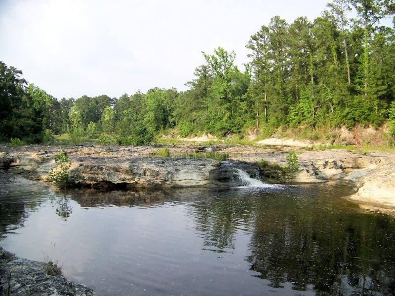 Flusso debole di cadute della roccia dell'insenatura di Kickapoo fotografia stock