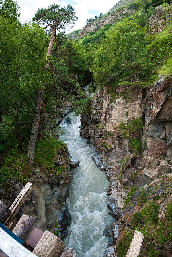 Flusso del fiume di Gara-Auzusu fotografia stock