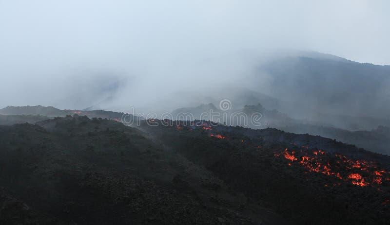 Flusso di lava di Pacaya vicino all'Antigua, Guatemala immagini stock libere da diritti