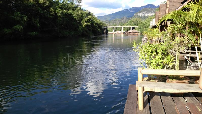 Flussufer-@ Nachmittag lizenzfreie stockfotografie