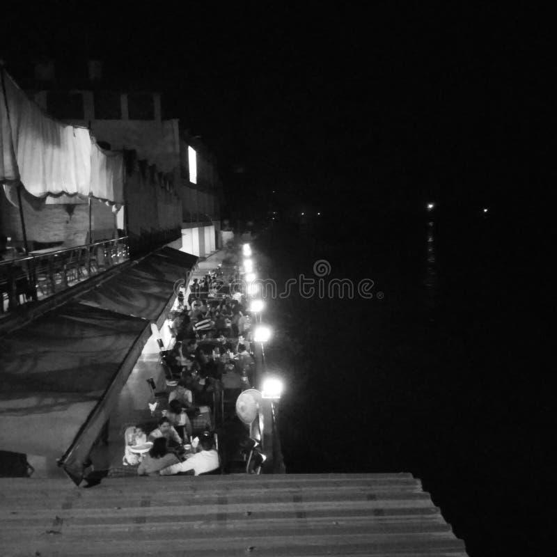 Flussufer Restaurent stockbilder