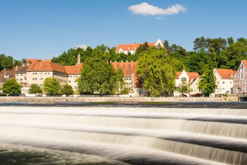 Flussufer von Landberg in dem Fluss Lech lizenzfreie stockfotos