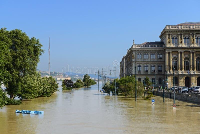 Flut in Budapest.  Ungarn lizenzfreie stockbilder