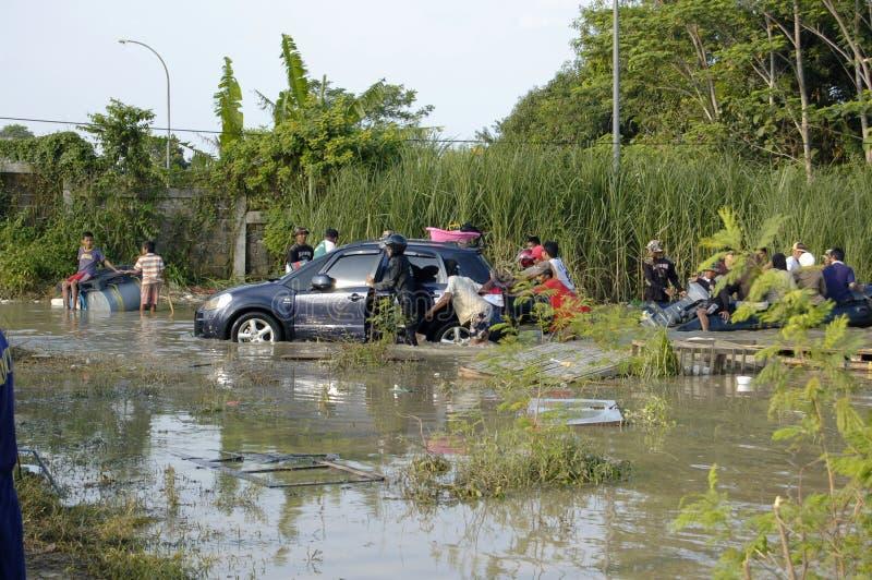 Flut in Karawang stockfoto