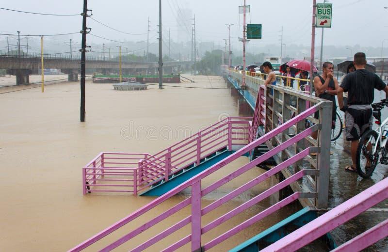Flut in Manila, Philippinen stockbilder