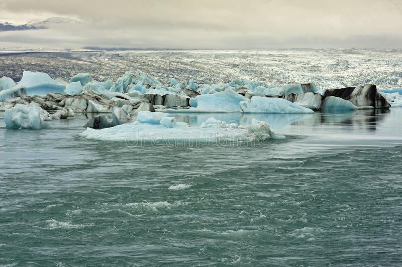 Flux de lac glacier de Jokulsarlon, Islande images stock
