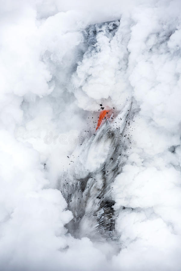 Fluxo de lava em Havaí imagens de stock