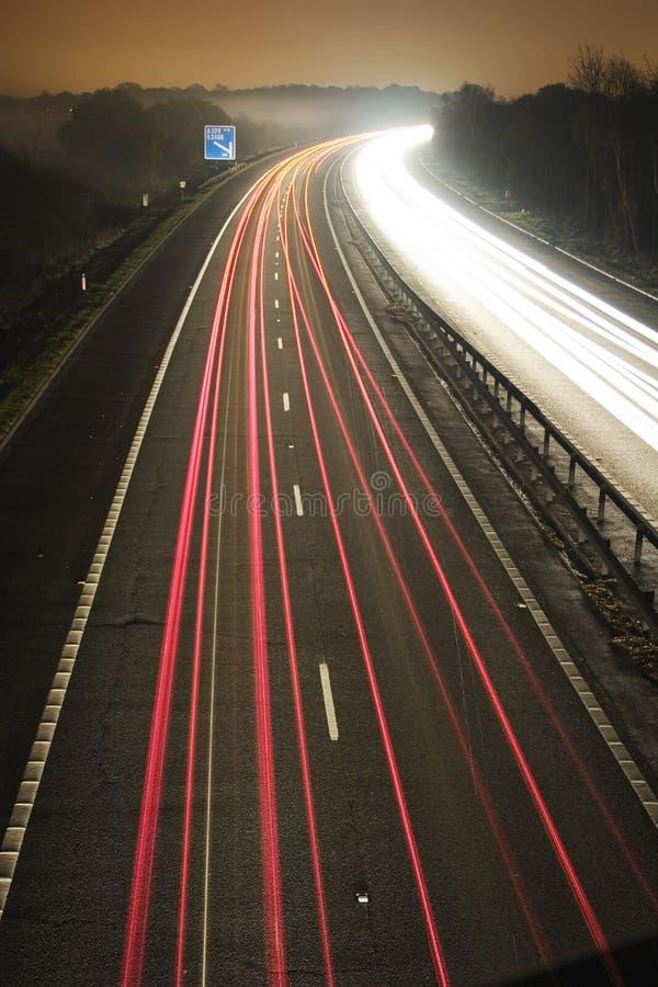 Fluxo de tráfego na noite fotos de stock royalty free