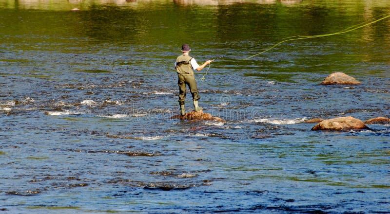 Fly-Fishing en Suède image libre de droits