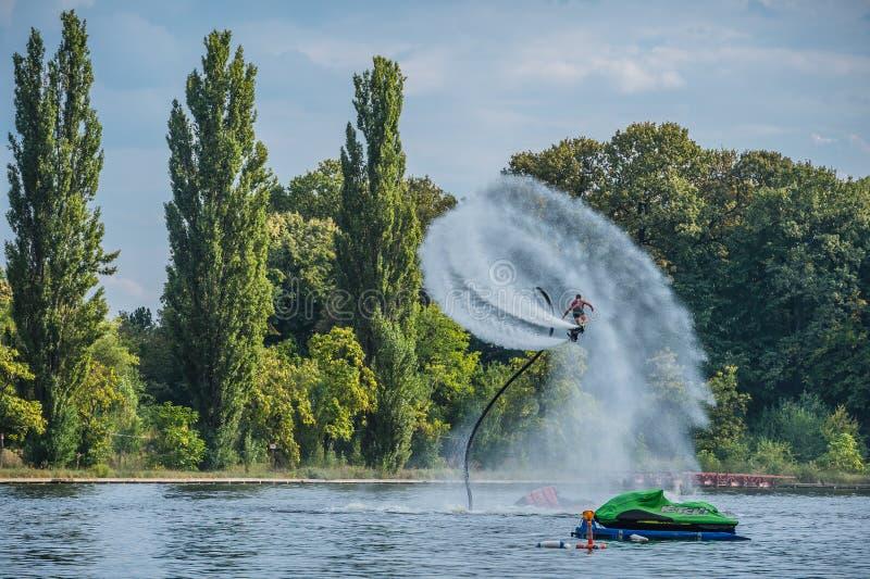 Flyboarding Flyboard стоковое изображение