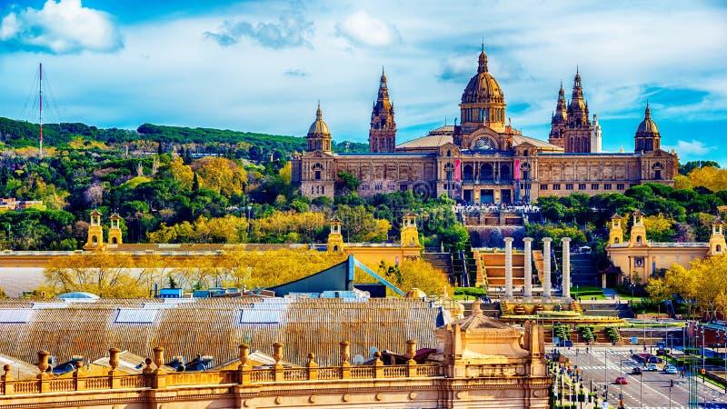 Flyg- bästa sikt av Barcelona, Catalonia, Spanien Den palauiska medborgaren, nationell slott, medborgare Art Museum av Catalonia royaltyfri bild